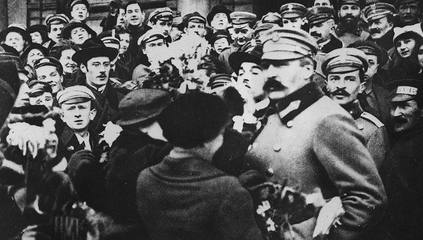 W październiku i listopadzie 1918 r. POW aktywnie uczestniczyła w przejmowaniu władzy na ziemiach polskich. W grudniu 1918 r. weszła w skład powstającego Wojska Polskiego (fot. arch.PAP/Reprodukcja)