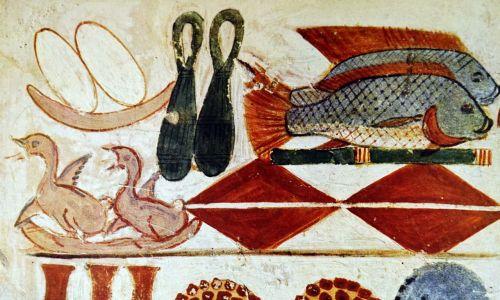 Egipcjanie u sklepienia świątyni zawieszali wielkie jaja, w taki sposób przywoływali sytuację sprzed stworzenia i przypominali, że na początku świat był jedną, doskonałą całością. Na zdjęciu malowidło ścienne egipskiego grobowca z Teb, Luksor. Datowany na XI wiek p.n.e. Fot. Universal History Archive / Universal Images Group via Getty Images