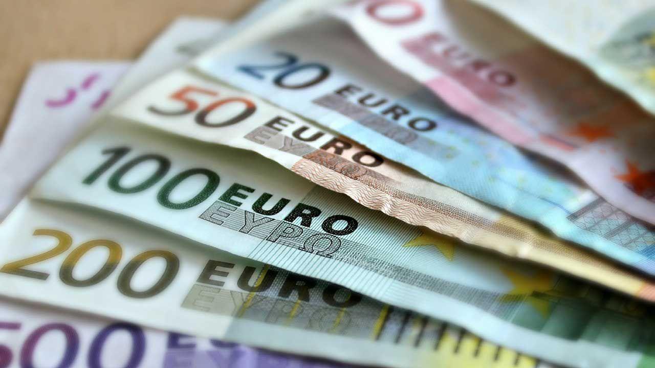 Grzegorz Schetyna podkreślił, że dla PO dołączenie Polski do strefy euro jest ważnym celem (fot. Pixabay/martaposemuckel)
