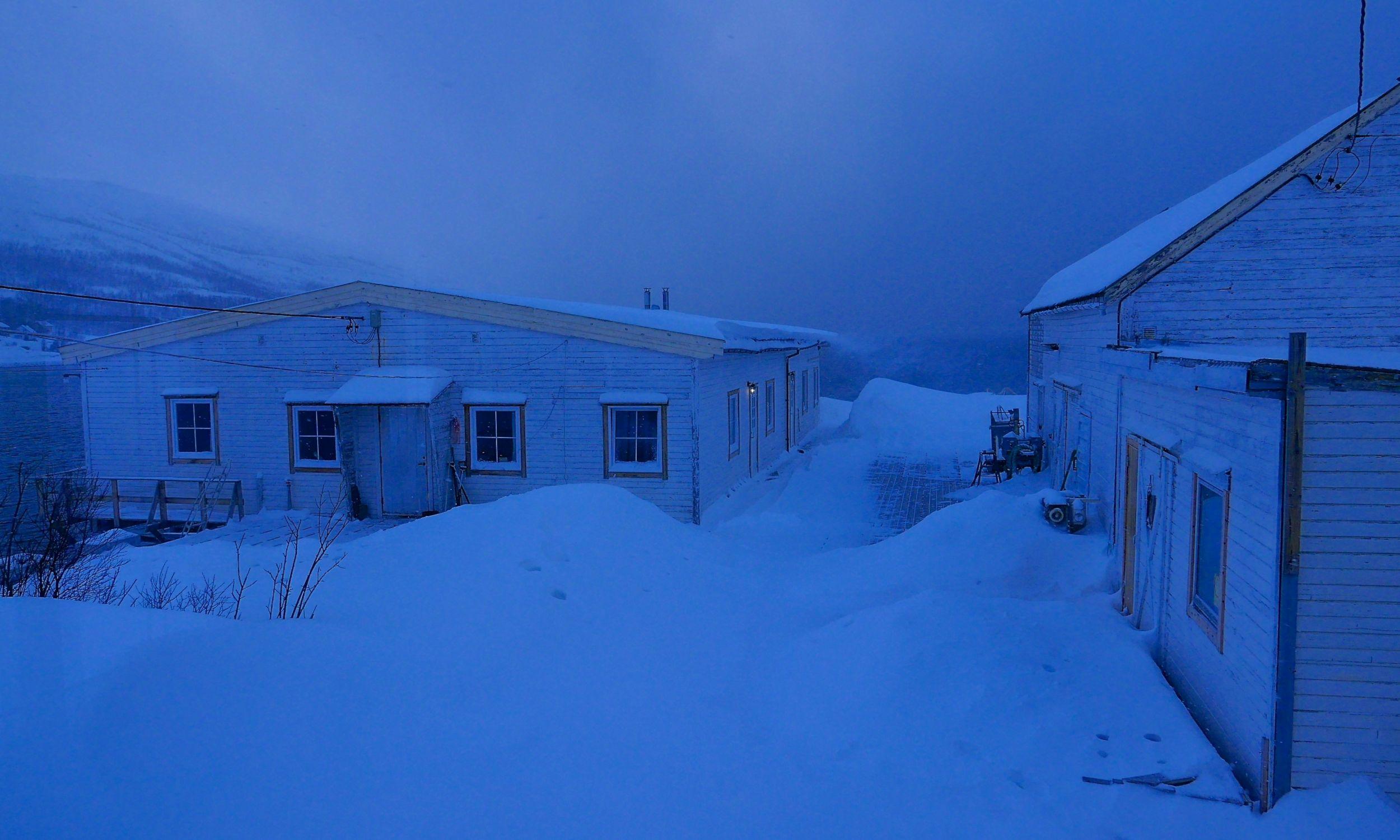 Arktyka w marcu. Ośrodek na Uløyi. Fot. Tomasz Kaźmierowski