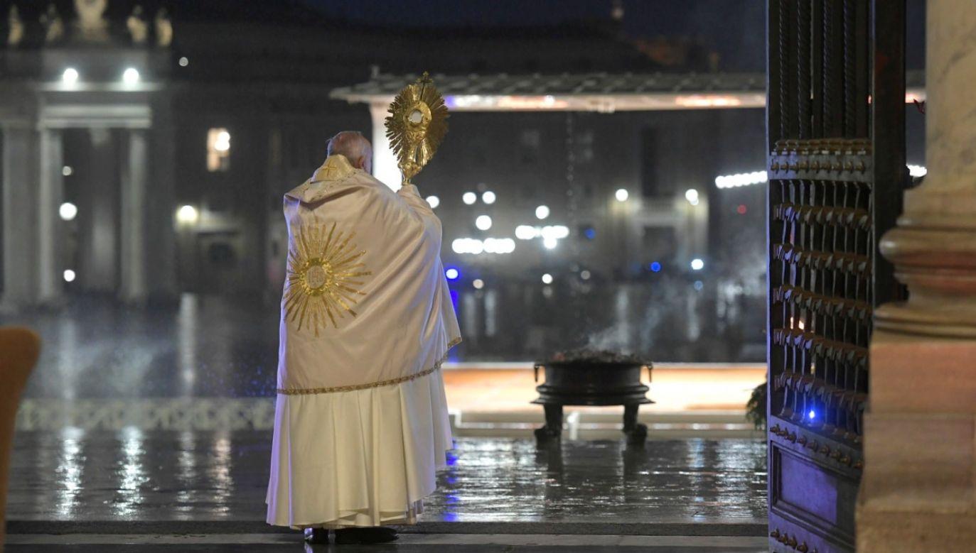 Franciszek modlił się o zakończenie pandemii (fot.PAP/EPA/VATICAN MEDIA HANDOUT)