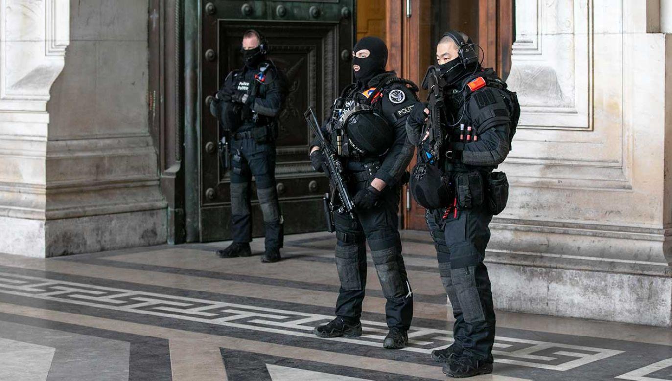 Belgia, gdzie mieszczą się siedziby instytucji Unii Europejskiej oraz NATO, w przeszłości już kilkakrotnie była celem zamachów (fot. Olivier Matthys/Getty Images)