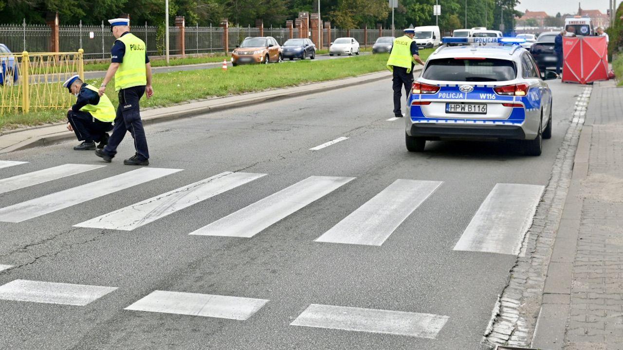 Potrącenie na przejściu dla pieszych (fot. PAP/Marcin Bielecki, zdjęcie ilustracyjne)