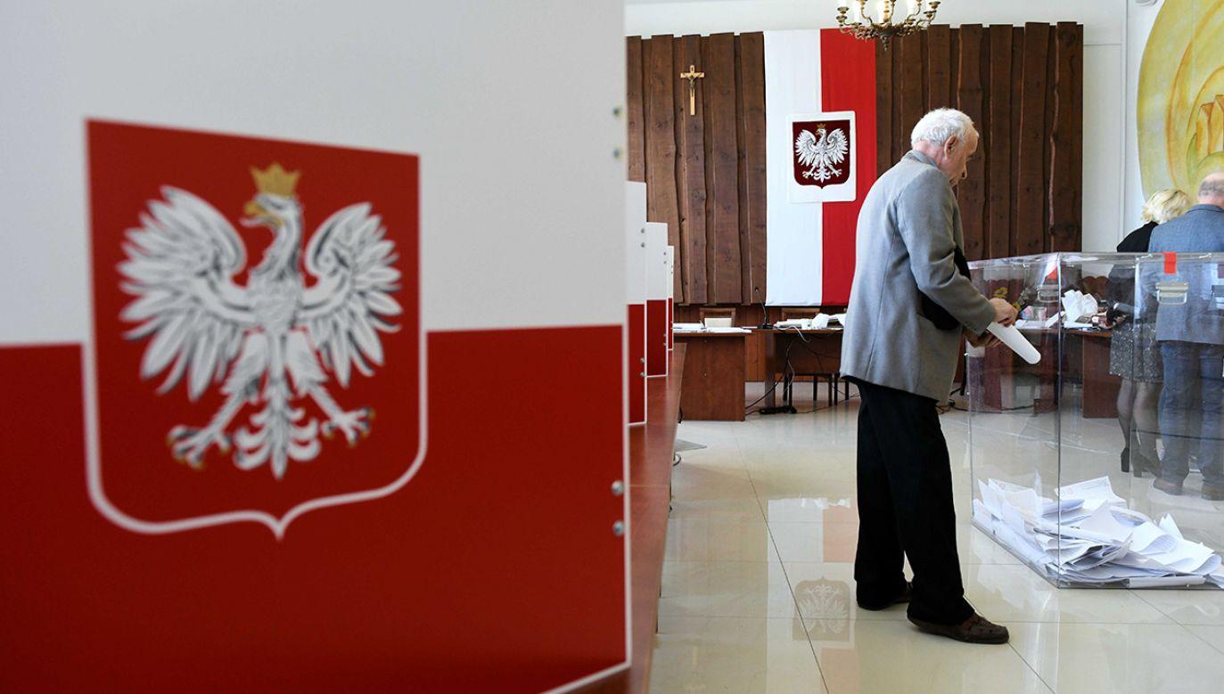 Wg sondażu w głosowaniu 10 maja wzięłoby udział nieco ponad 20 proc. Polaków (fot. PAP/Darek Delmanowicz)