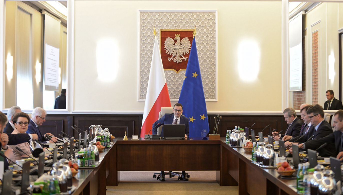 Nadzieje na poprawę sytuacji w kraju w związku z powołaniem rządu Mateusza Morawieckiego wyraża 39 proc. badanych (fot. PAP/Marcin Obara)
