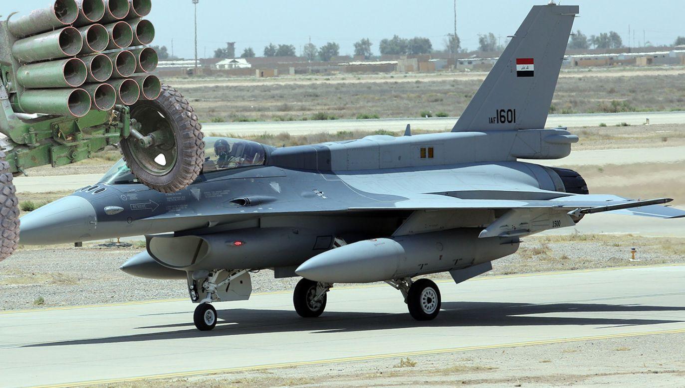 Pociski spadły na bazę Balad, na północ od Bagdadu (fot. Ali Mohammed/Anadolu Agency/Getty Images; Shutterstock)