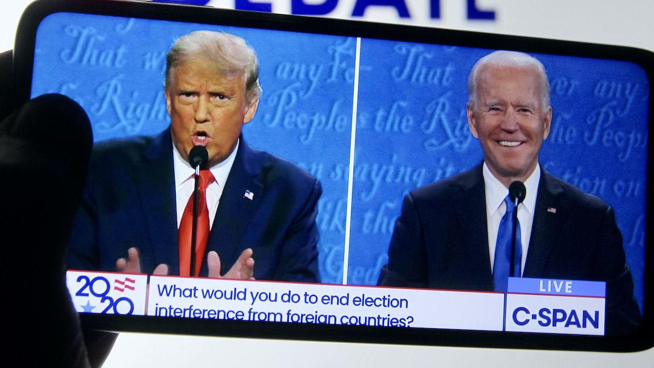 Donald Trump musiał oddać stery Joe Bidenowi (fot. P.Conchar/SOPA Images/LightRocket/Getty Images)