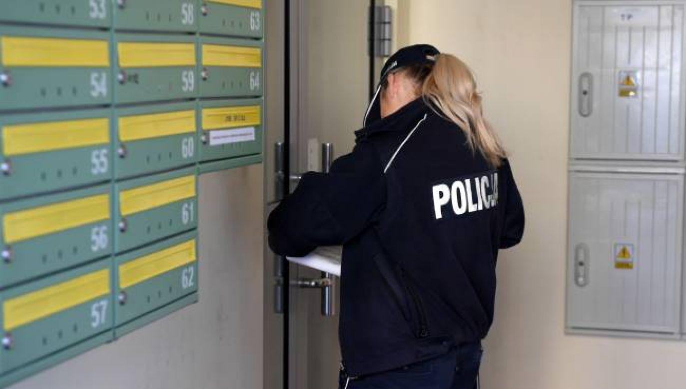 Policja prowadzi już ok. 160 postępowań wobec osób, które naruszyły zasady (fot. PAP/Darek Delmanowicz)