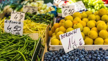 Minister rolnictwa apeluje, aby w obecnej trudnej sytuacji kupować polskie produkty(fot. Shutterstock/Curioso)