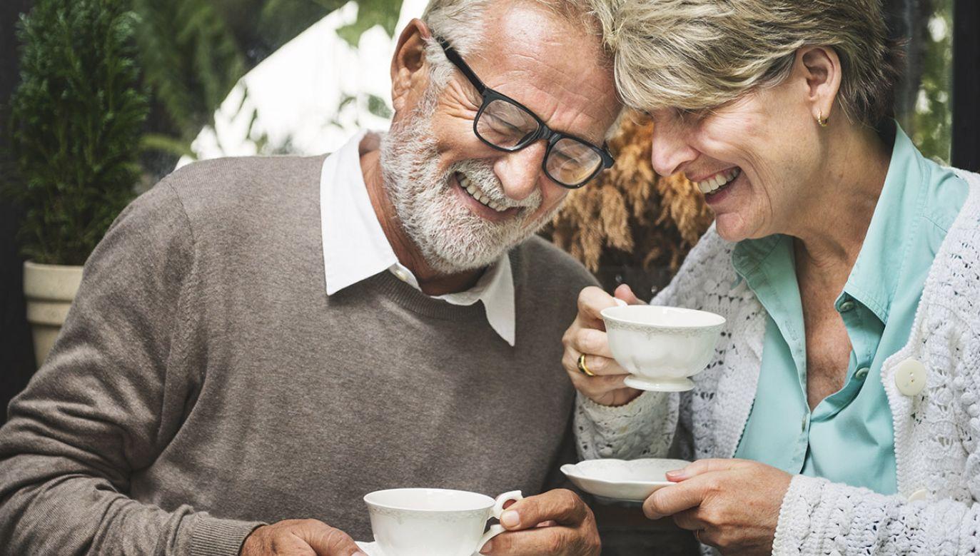 Przeciętna długość życia mężczyzn w naszym kraju wydłużyła się do 74 lat, a kobiet do ponad 83 lat (fot. Shutterstock/Rawpixel.com)