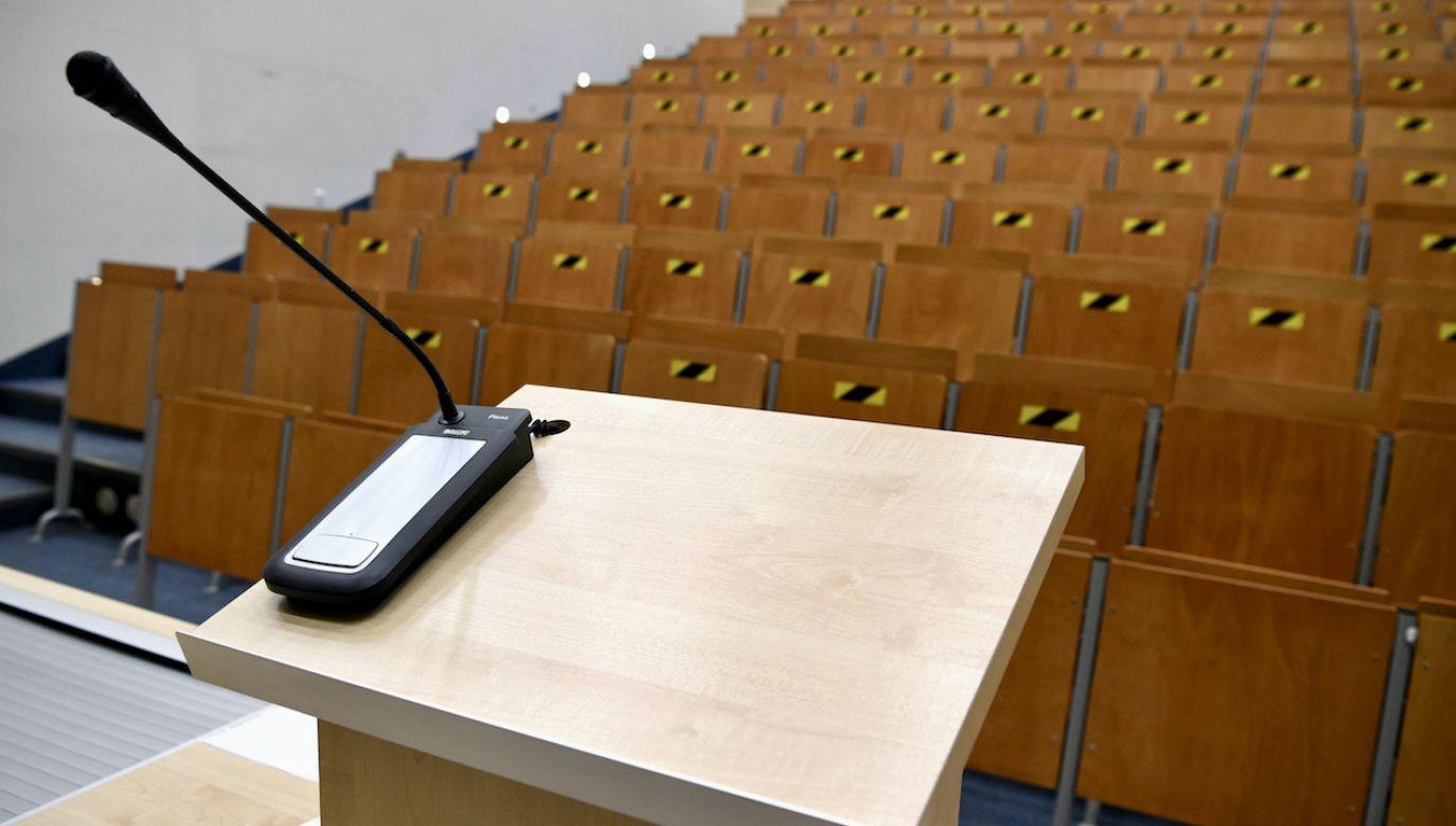 Rektorzy uczelni apelują, by się szczepić (fot. arch.PAP/Darek Delmanowicz)