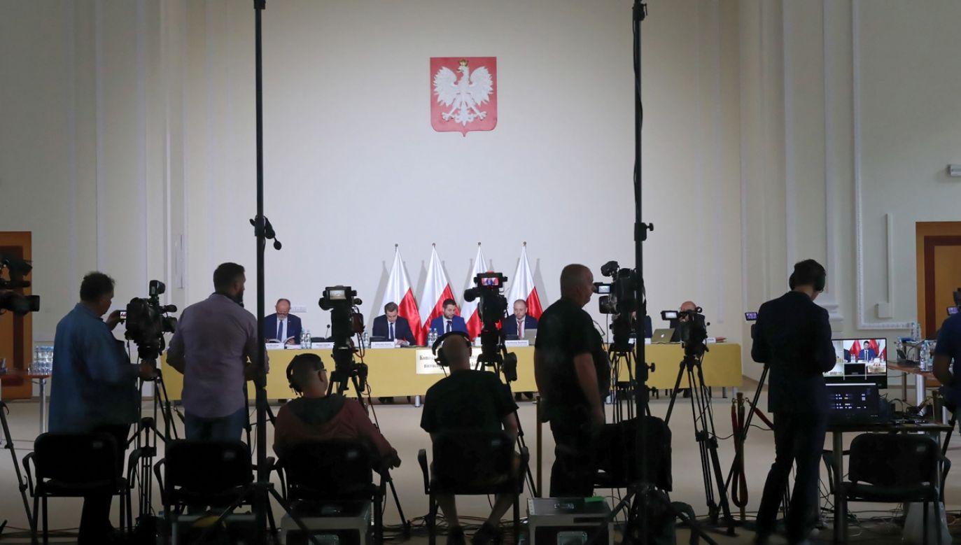 Posiedzenie komisji weryfikacyjnej, maj 2018 r. (fot. arch.PAP/ Tomasz Gzell)