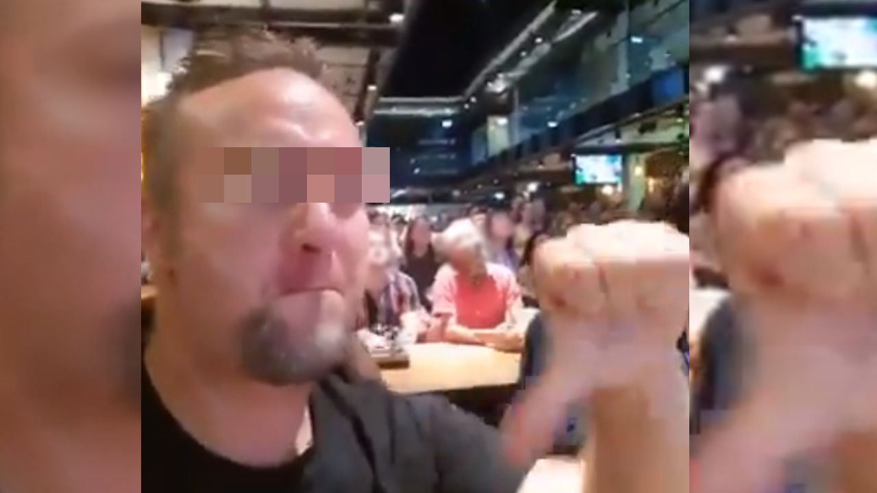 Pijany pracownik oko.press Radosław G. próbował prowadzić samochód (fot. Twitter.com)