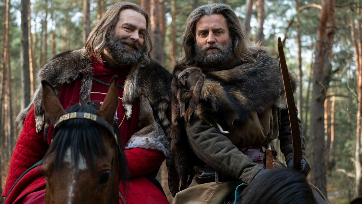 Na polowanie Kazimierz pojechał z przyjacielem, Jaśkiem z Melsztyna (fot. TVP)