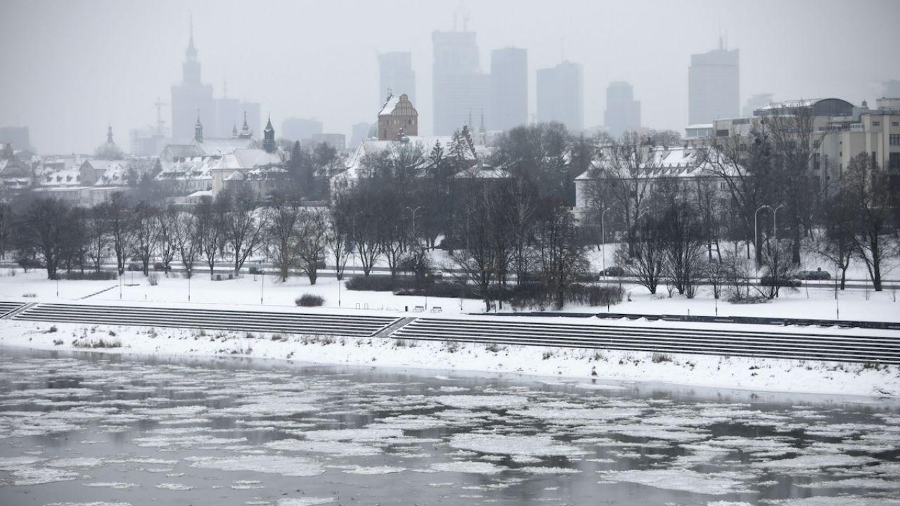 Ostrzeżenia przed silnym mrozem dla większości województw w Polsce (fot. PAP/L.Szymański)