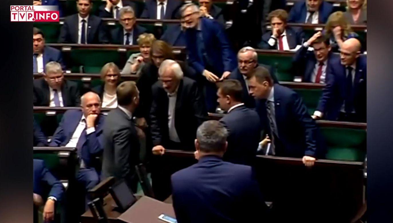 Prezes PiS Jarosław Kaczyński stwierdził, że opozycja zachowuje się jak chamska hołota (fot. portal tvp.info)