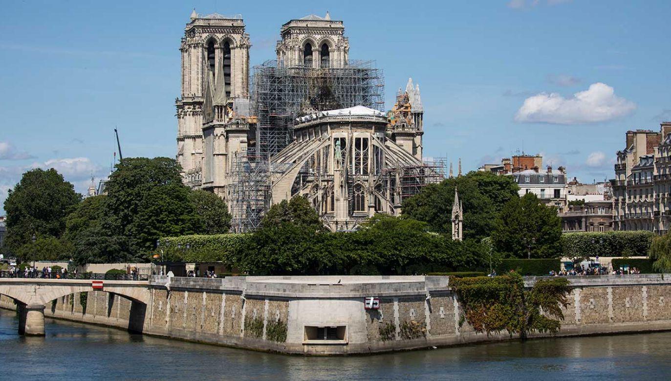 Projekt ustawy o odbudowie Notre-Dame utknął w parlamencie (fot. PAP/EPA/CHRISTOPHE PETIT TESSON)