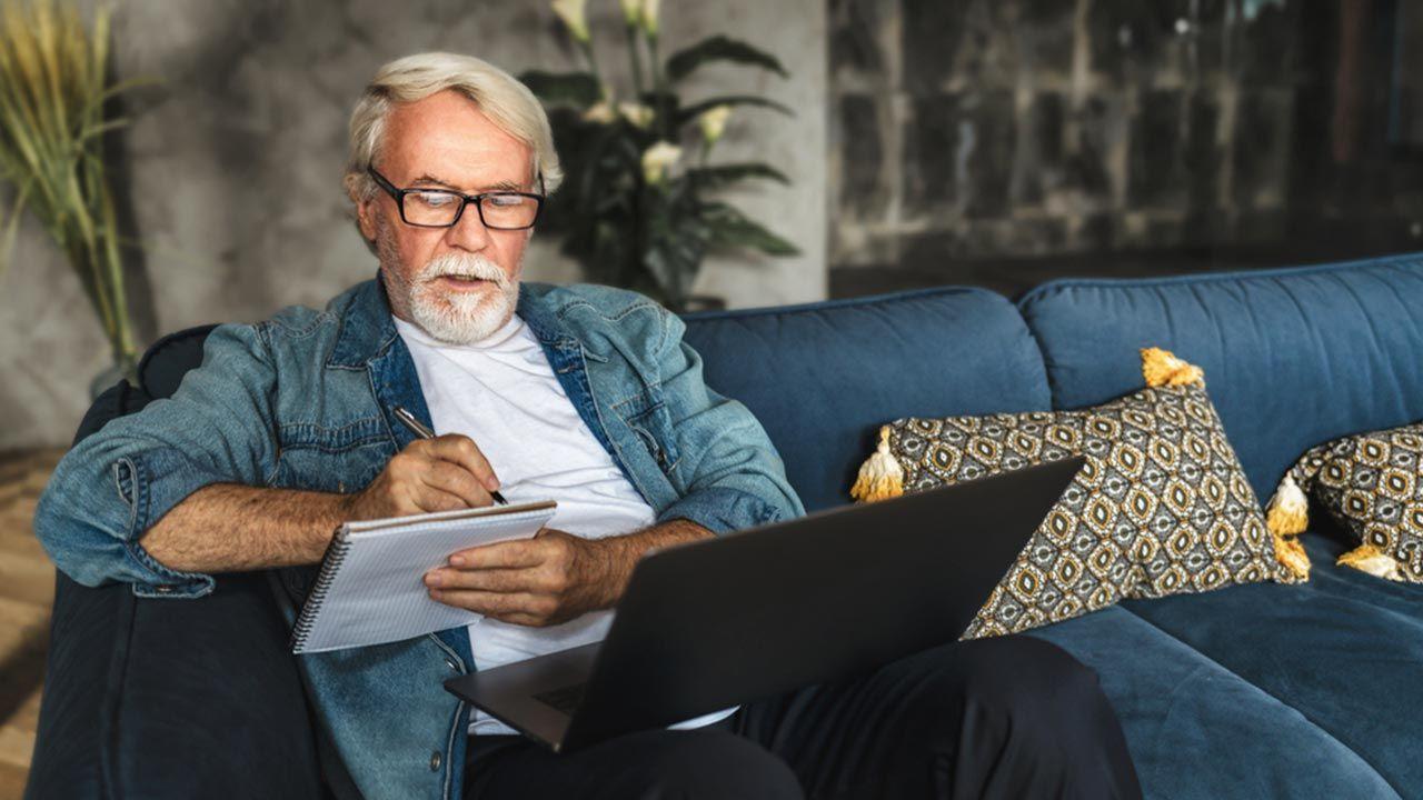 W przypadku czternastej emerytury obowiązuje kryterium dochodowe (fot. Shutterstock/KucherAV)
