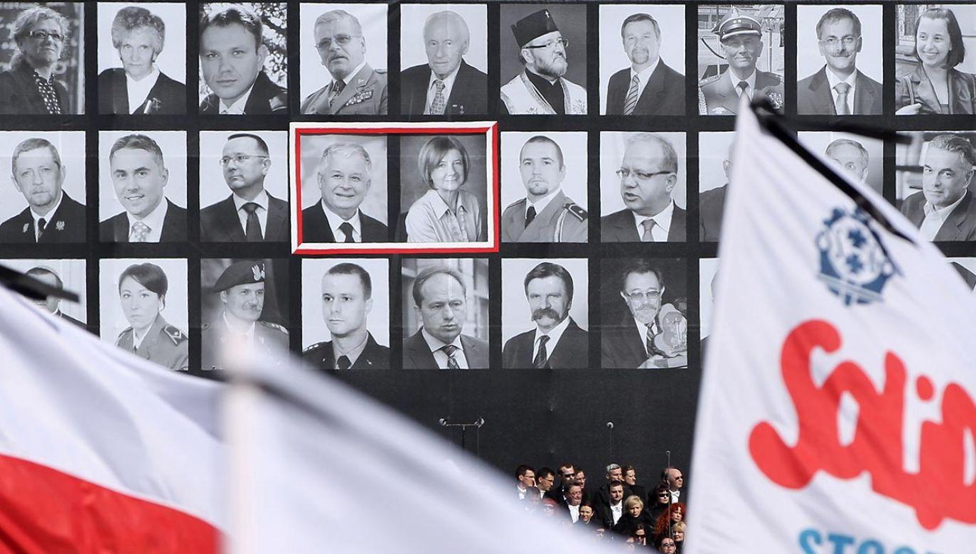 Polska delegacja leciała na uroczystości 70. rocznicy zbrodni katyńskiej (fot. Sean Gallup/Getty Images)