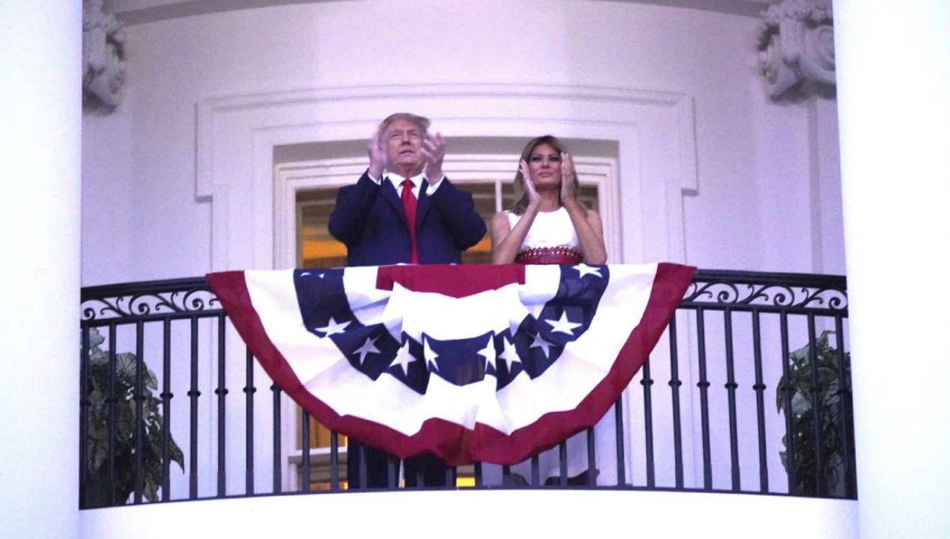 Amerykańska para prezydencka podczas uroczystości w Dzień Niepodległości (fot. PAP/ EPA/Chris Kleponis)