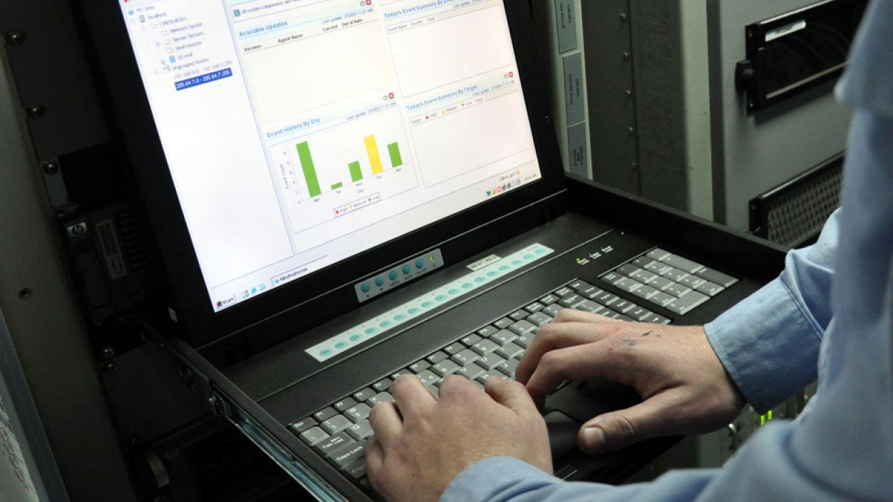 Według specjalistów Chiny są przeprowadzać ofensywne operacje w internecie (fot. Wikipedia/cc)