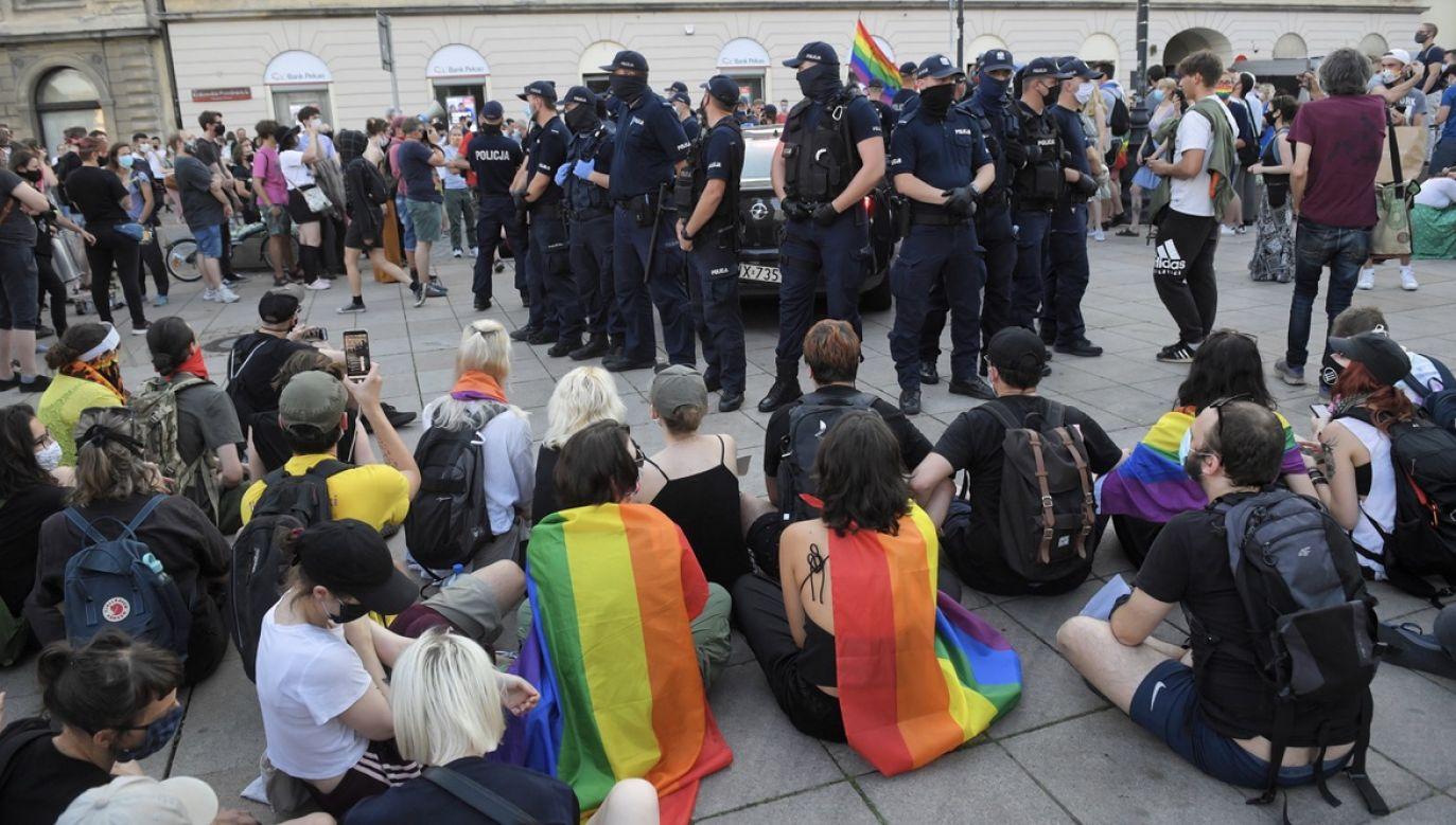 W sobotę odbył się wiec solidarności ze skazanym działaczem LGBT (fot. PAP/Radek Pietruszka)