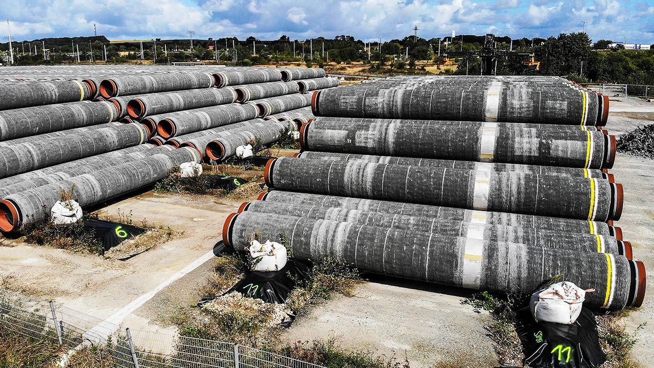 """Rosja będzie częściej korzystać z """"polityki rurociągów""""? (fot. REUTERS/Hannibal Hanschke)"""