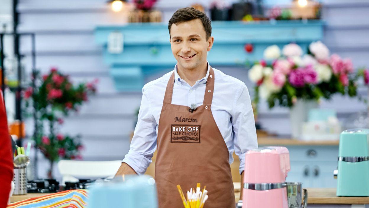 """Oto on – Marcin! Zwycięzca """"Bake Off – Ale Ciacho!"""". Zdobył uznanie jurorów i główną nagrodę (fot. TVP)"""