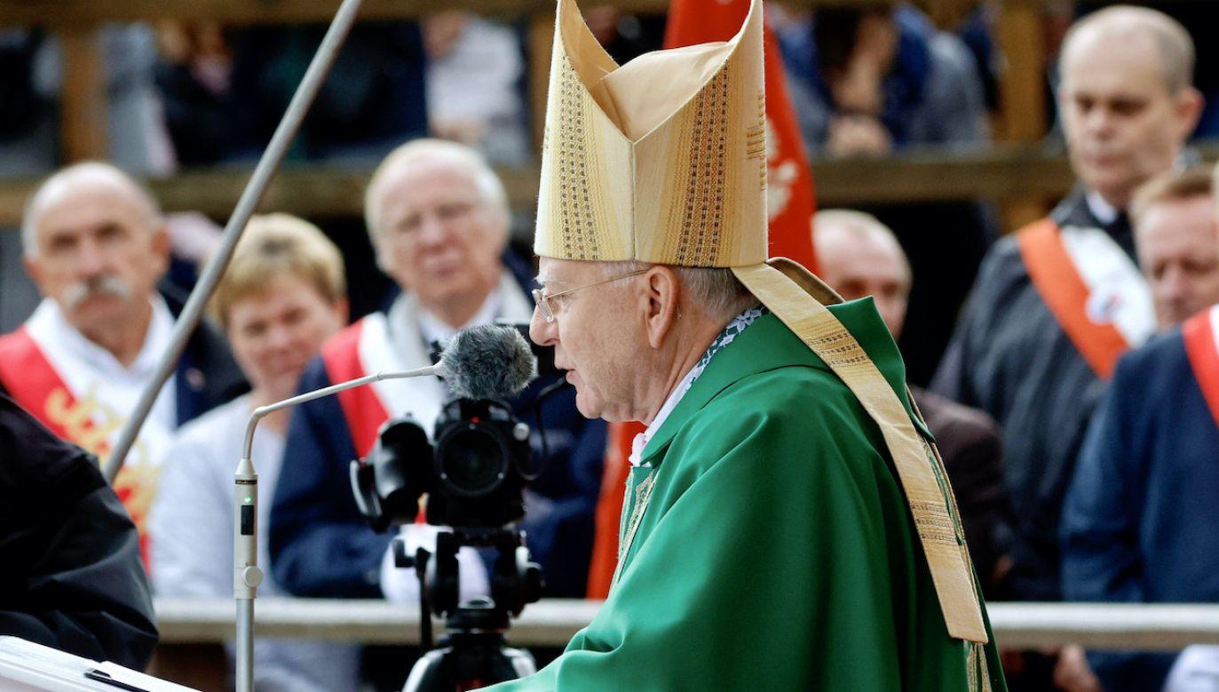 Homilię do tysięcy pielgrzymów  wygłosił abp Marek Jędraszewski (fot. PAP/Waldemar Deska)