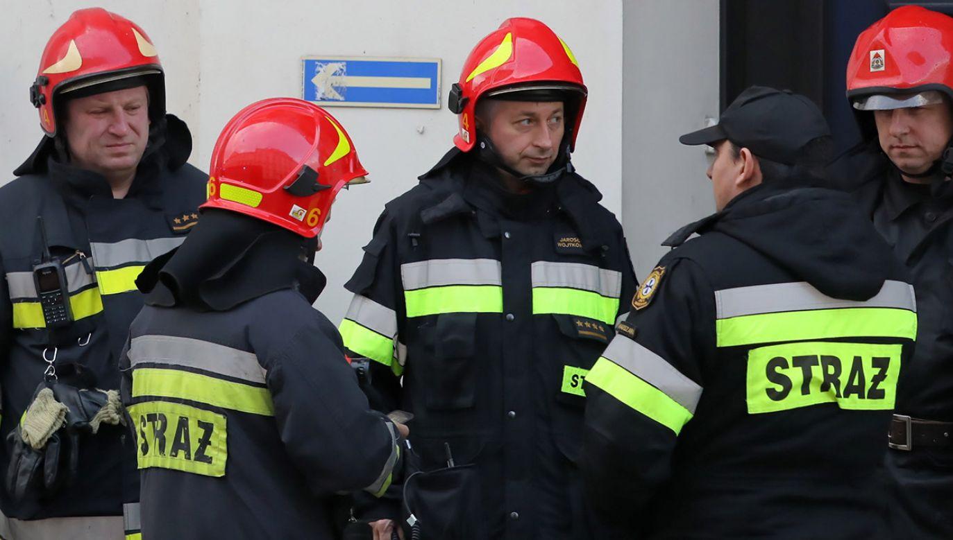 Z budynku wyniesiono dwie butle z gazem (fot. PAP/Tomasz Gzell, zdjęcie ilustracyjne)