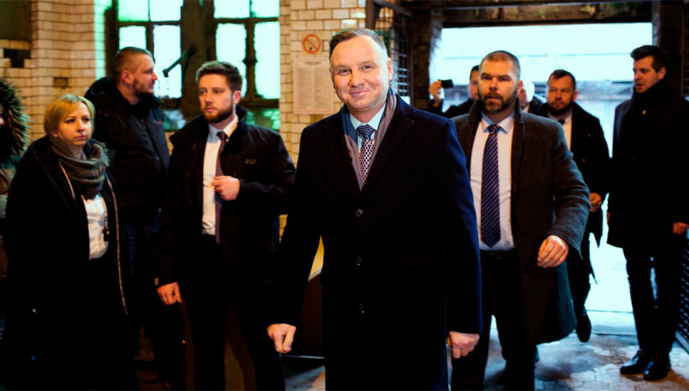 Prezydent Andrzej Duda ma znaczną przewagę w sondażach nad konkurentami (fot. PAP/Andrzej Grygiel)
