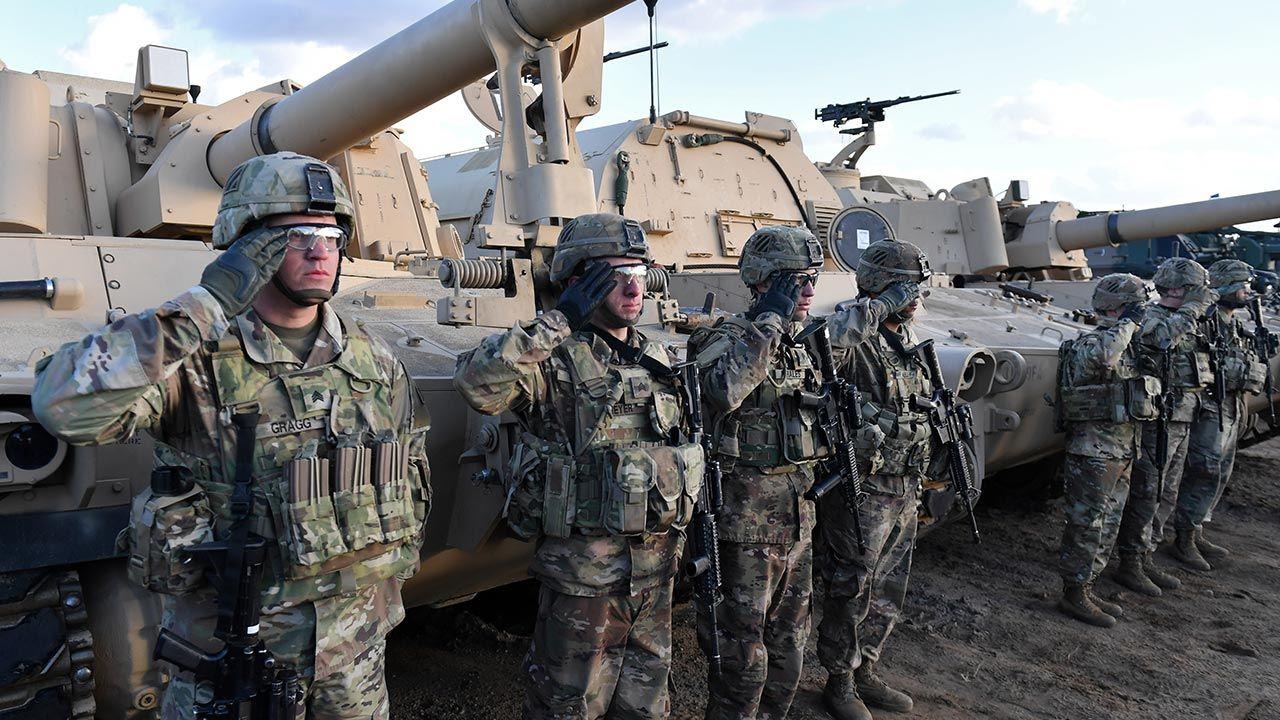 Andrzej Duda powiedział, że na pewno będzie rozmawiał z prezydentem USA o relokacji jednostek amerykańskich (fot. PAP/Marcin Bielecki)