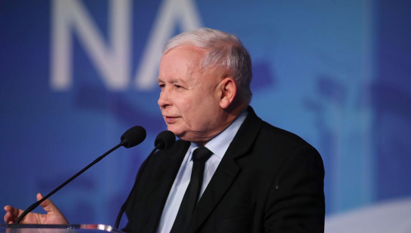 Jarosław Kaczyński podczas konwencji w Pile (fot. PAP/Roman Zawistowski)