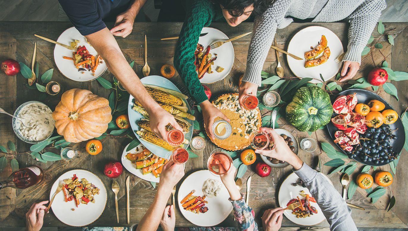 Eliminacja mięsa z jadłospisu to praktyka ciesząca się w ostatnim czasie coraz większą popularnością (fot. Shutterstock/Foxys Forest Manufacture)