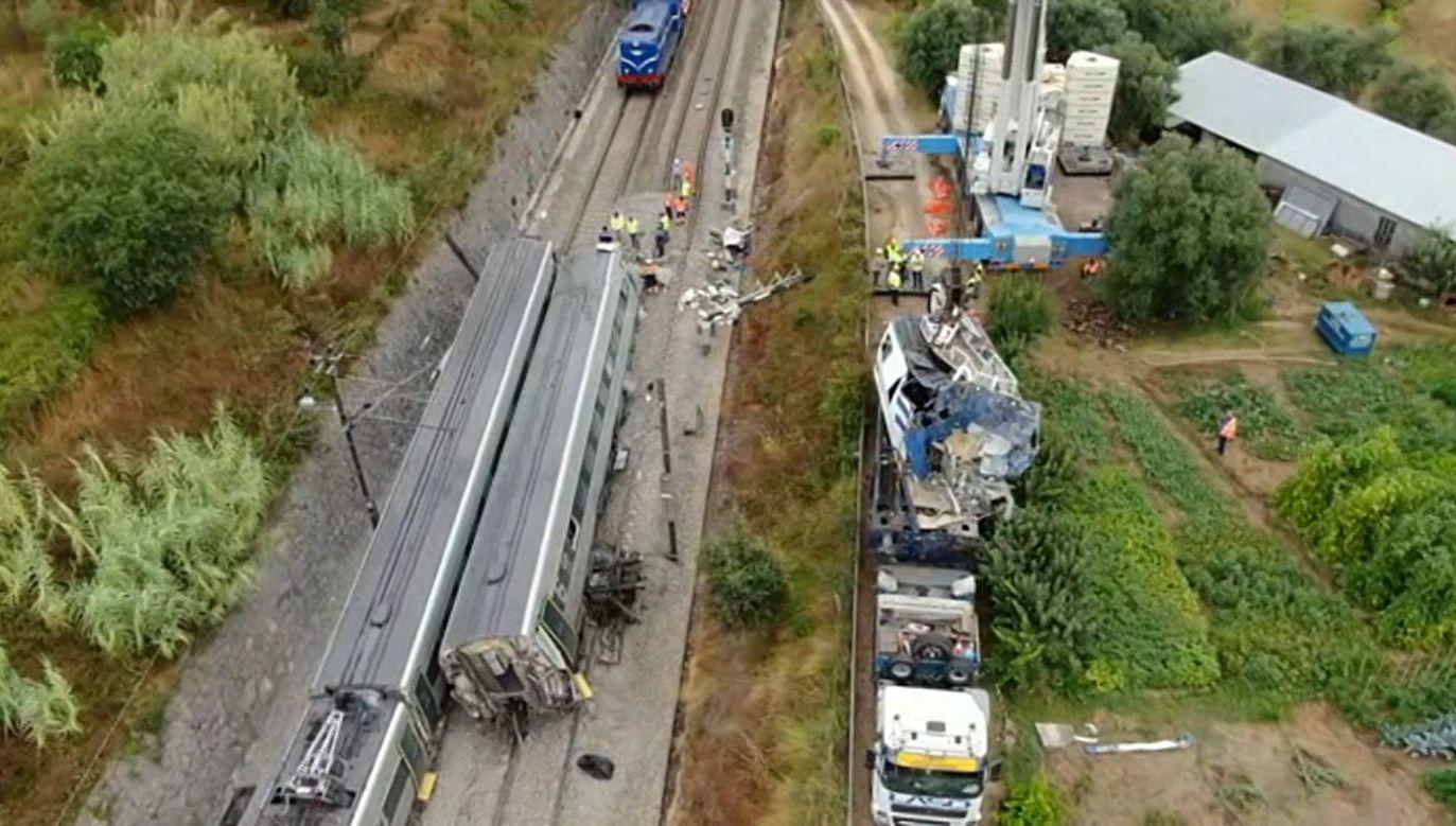 Służby usuwają wykolejony pociąg w dystrykcie Coimbra w Portugalii (fot. PTRTP - RADIOTELEVISAO PORTUGUESA)