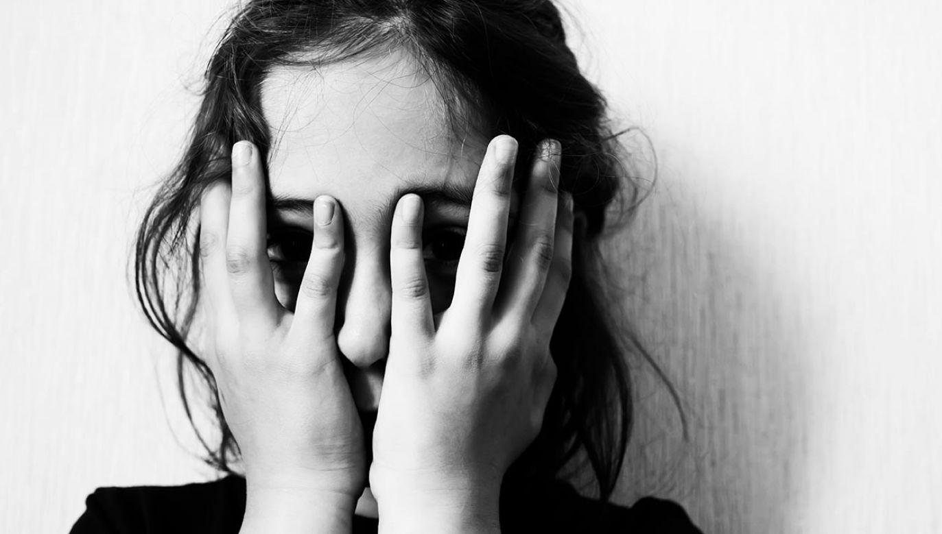 W zarzutach była mowa o odurzaniu nastolatki substancjami psychotropowymi (fot. Shutterstock)