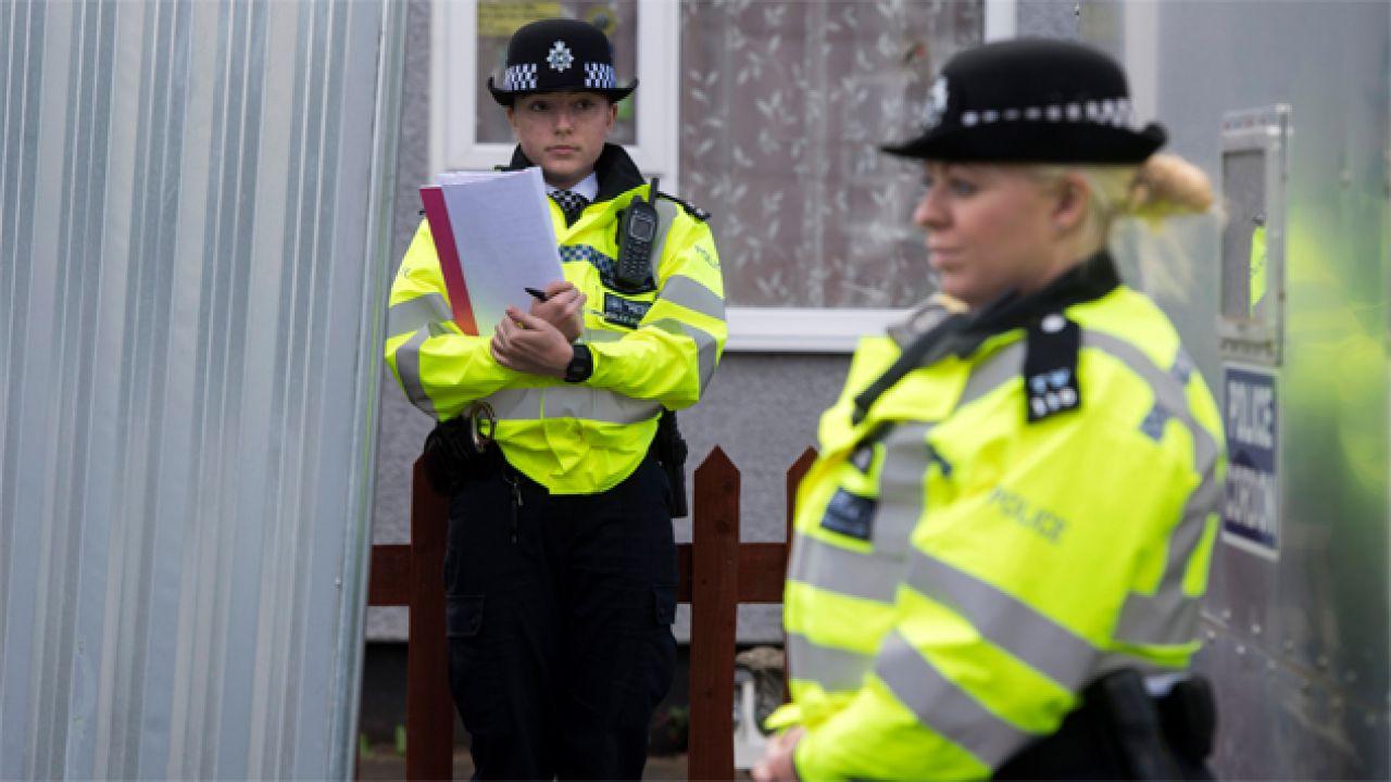 Policja prowadzi dochodzenie w sprawie zamachu (fot. PAP/EPA/WILL OLIVER)