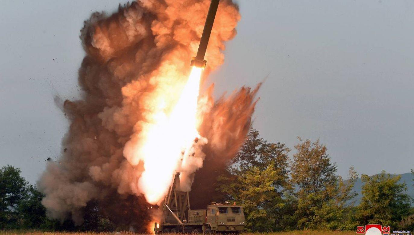 Korea Płn. wystrzeliła co najmniej jedną rakietę (fot. arch. PAP/KCNA)