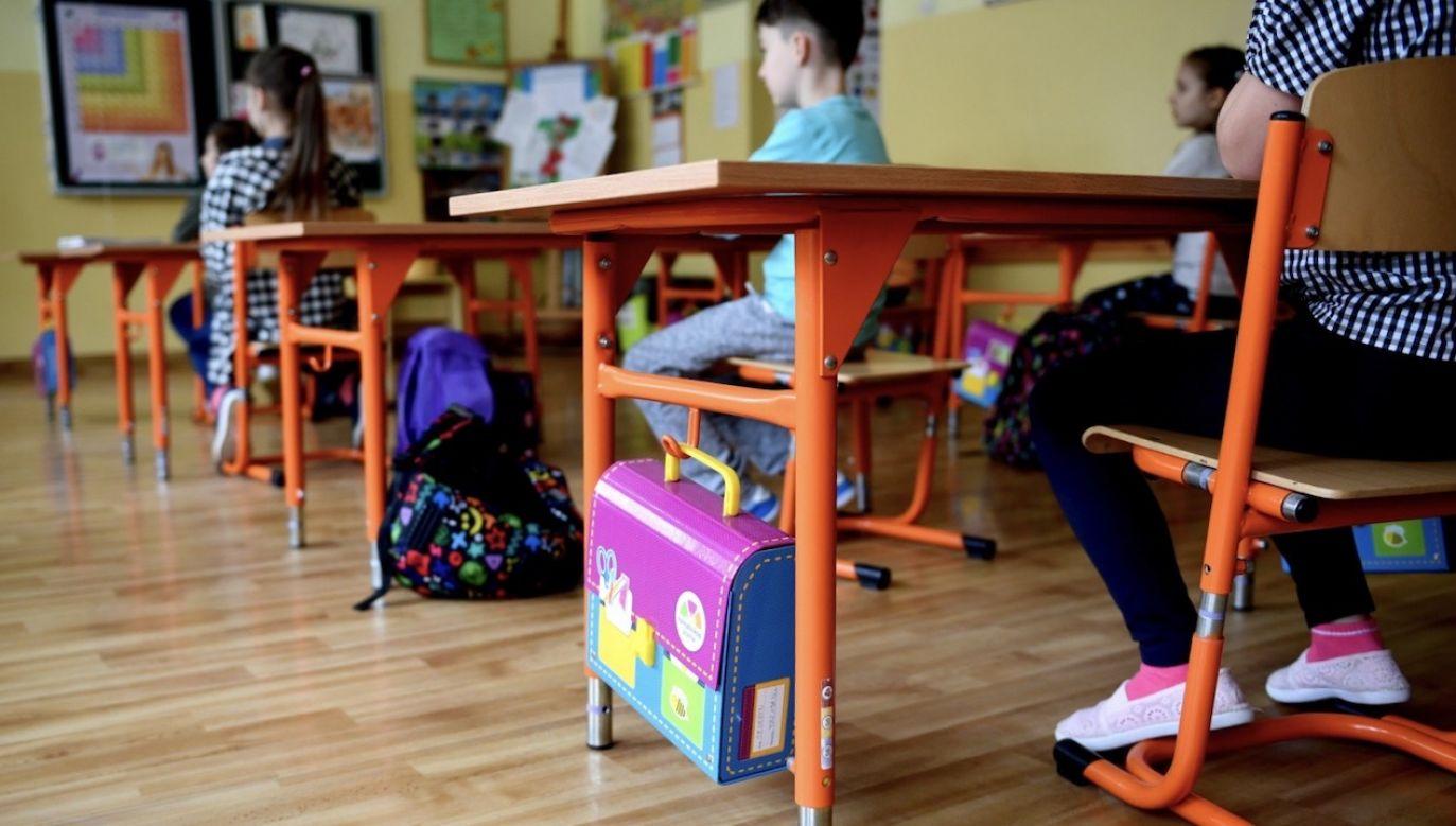 Od 12 marca zawieszone są zajęcia stacjonarne w szkołach (fot. PAP/Darek Delmanowicz)