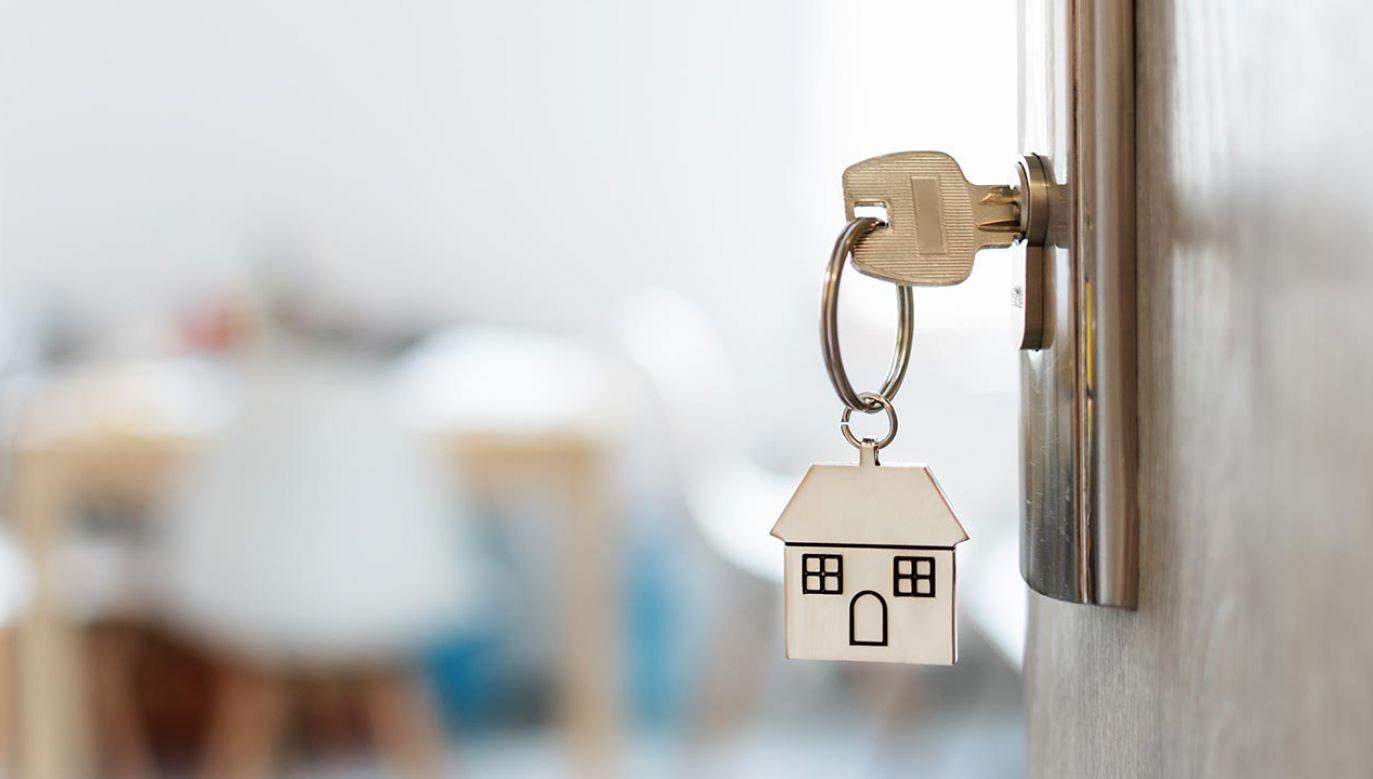 Pandemia spowodowała, że ceny mieszkań wyhamowały (fot. Shutterstock/Inna Dodor)