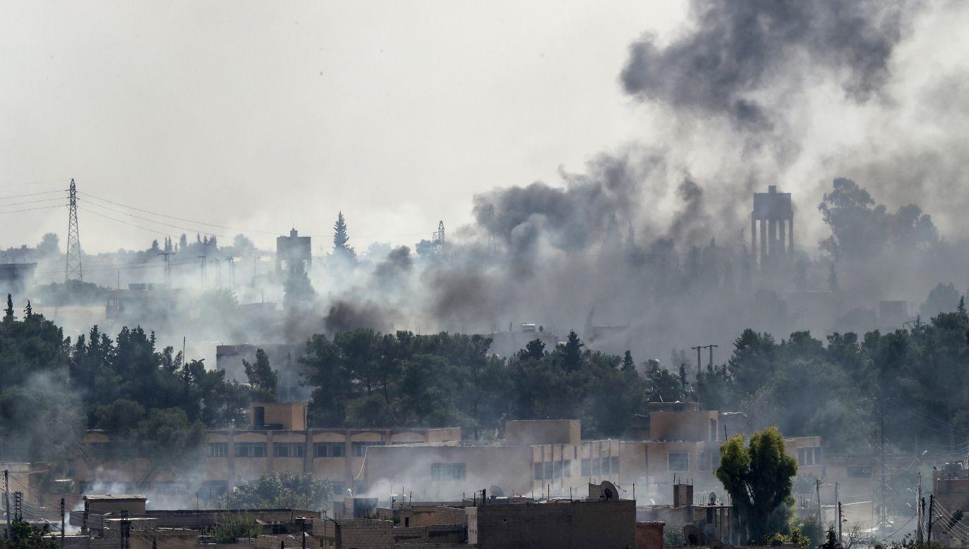 Odziały zostaną przesunięte w związku z obawami, że mogłyby się znaleźć w zasięgu tureckiego ognia (fot. Burak Kara/Getty Images)